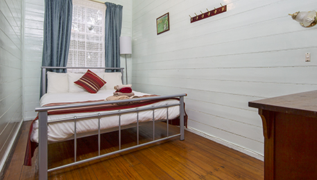 Lake Leake Hotel Double bed room